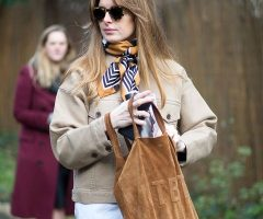 Do you Know Five Ways to Wear A Scarf?