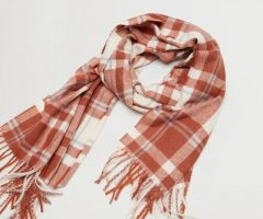 WHICH OF THESE WOOL SCARVES DO YOU LIKE ?