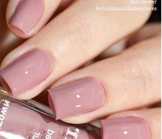 Which Nail Polish Colors are Popular for Spring?